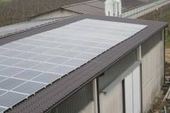Copertura industriale in lamiera preverniciata con fotovoltaico