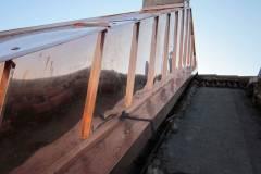 Lavorazione di cornice in rame su copertura esterna
